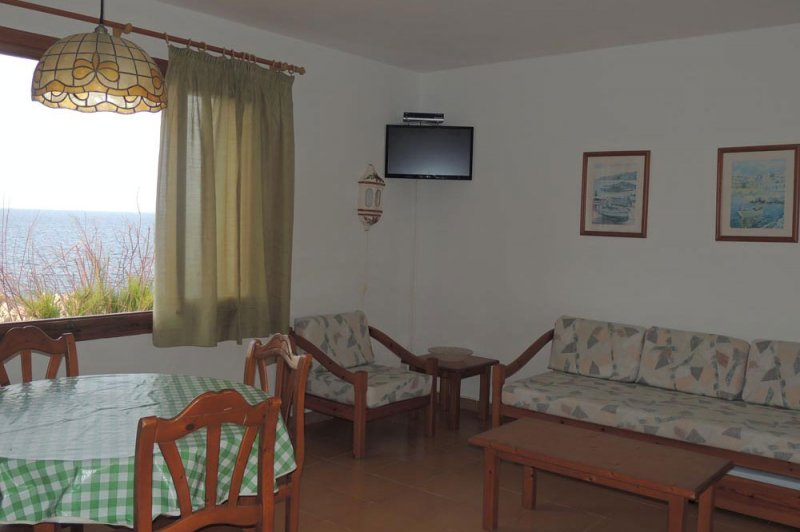 Living room of the Rocas Marinas 3 apartment.