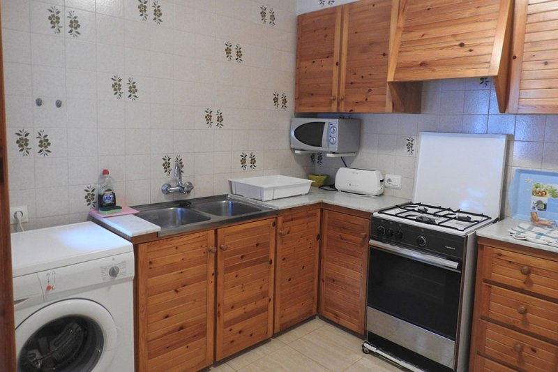 Kitchen and laundry of the apartment Jardín Playa 2.