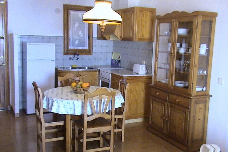 Kitchen and dining room of the Rocas Marinas 7A apartment.