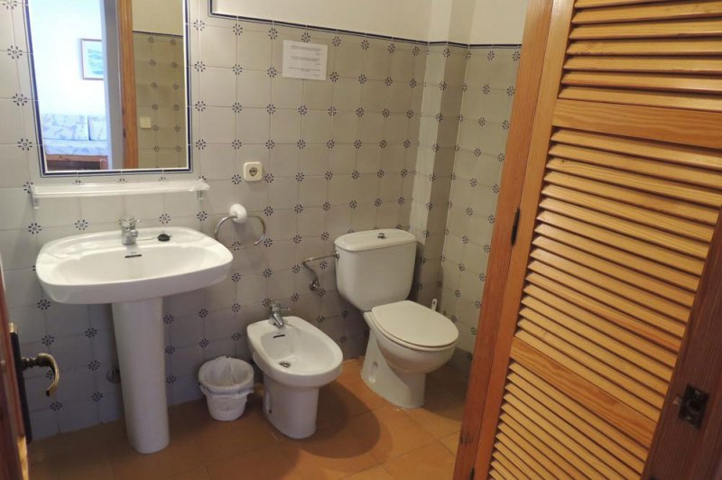 Toilet of the Rocas Marinas 7A apartment.