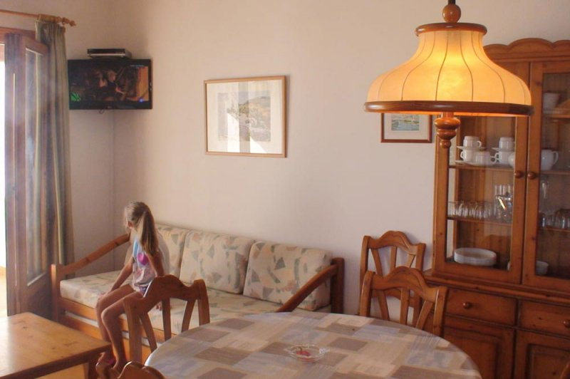 Living room of apartment 8A in the complex of Rocas Marinas.