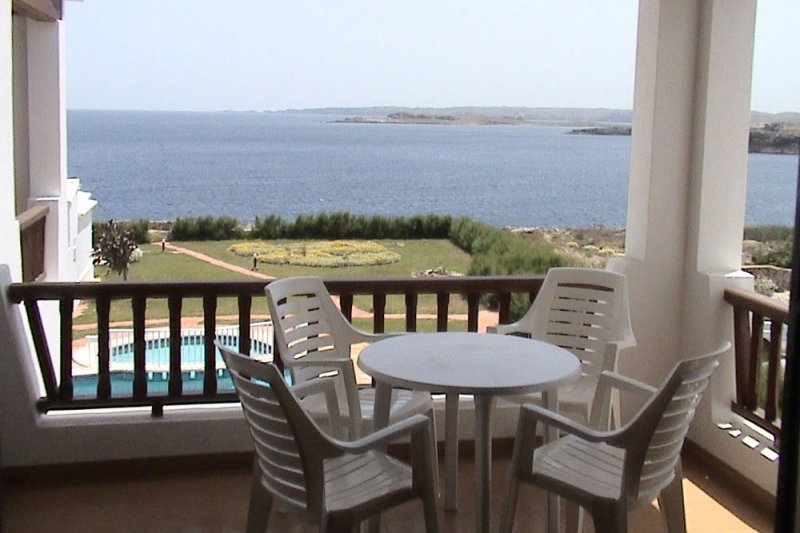 Terrace with incredible views of the Rocas Marinas 8R apartment.