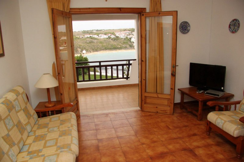 Entrance door to the terrace and the balcony of the Arco Iris 5 apartment.